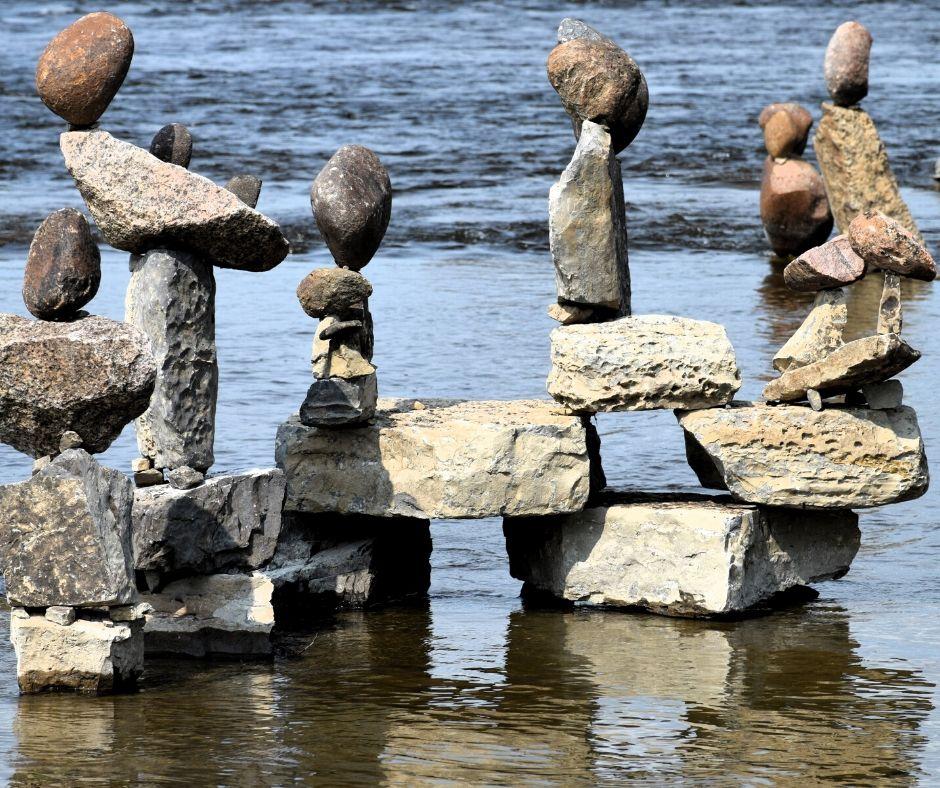 Despre (dez)echilibru